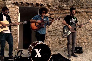 con the banjo